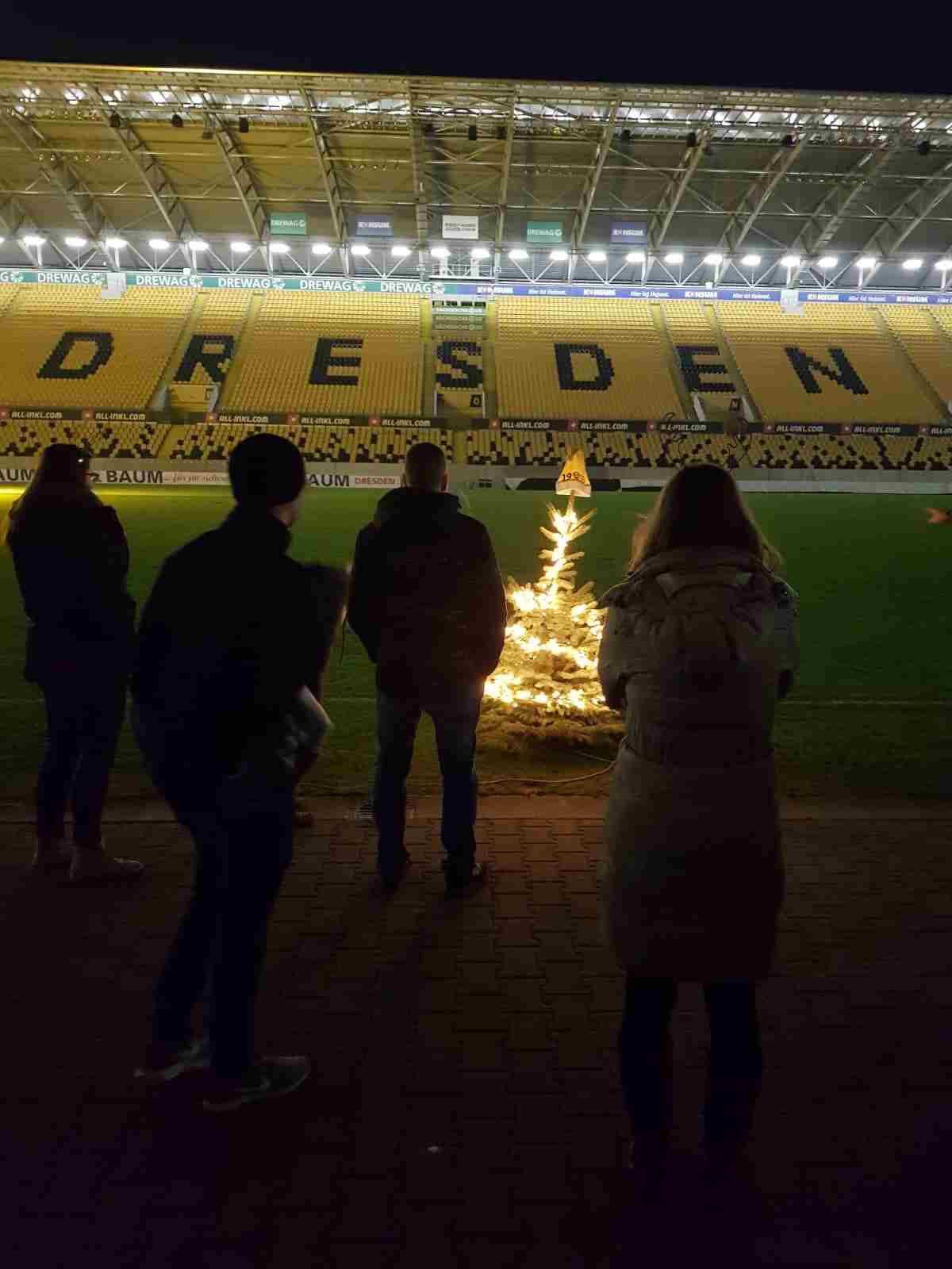 2019-12-05 Stadionführung - Weihnachtsfeier 2019 von Praxis Dr. Linda Franck