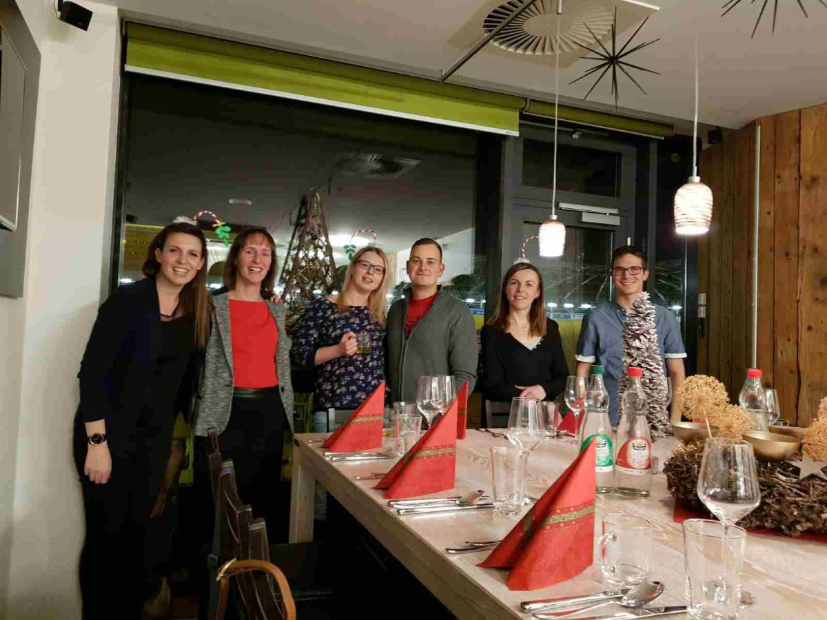 2019-12-05 Gruppenfoto - Weihnachtsfeier 2019 von Praxis Dr. Linda Franck