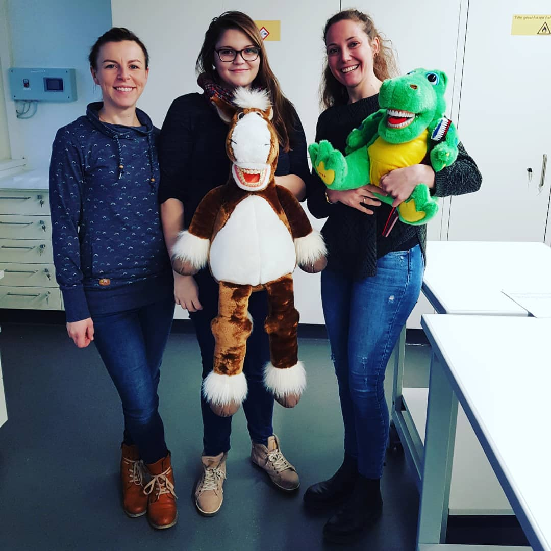 Schulausflug-Gruppenprophylaxe_Team_ZAP_Dr.LindaFranck